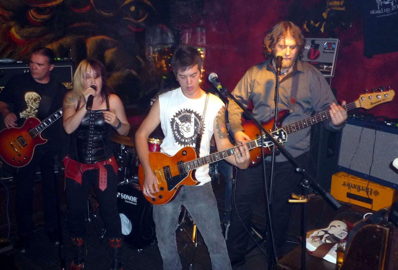 Vagrants at Gorilla Bar014